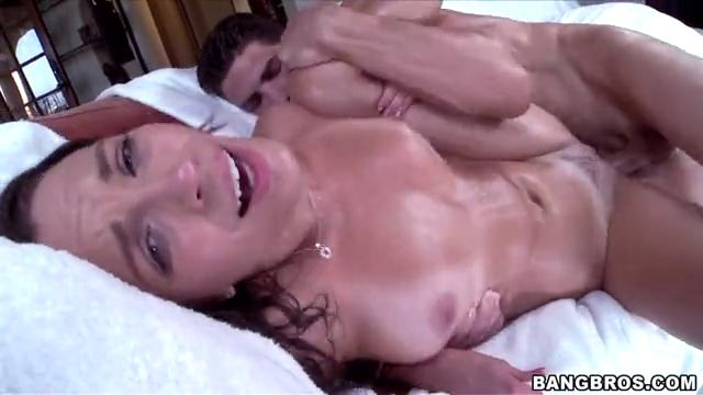 Трахнул ее до оргазма 7