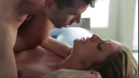 Русская женщина громко кричит от оргазма, любительское видео минета от снежаны