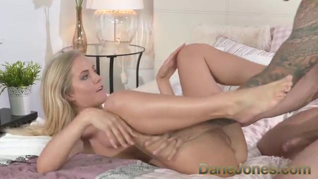 Небольшой секс девушка