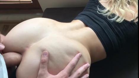 zhene-gluboko-v-anal-smotret-lyubitelskie-semki-skritoy-kameroy-porno